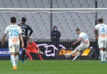 Milik marque sur penalty face à Lyon